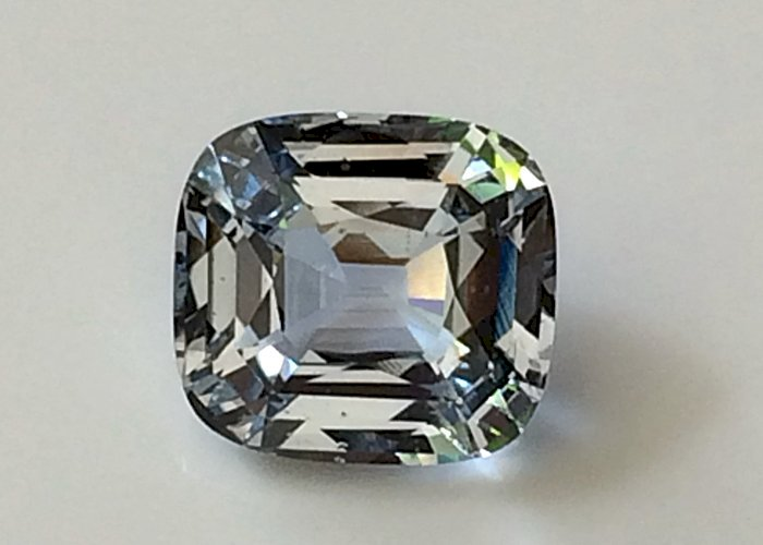 7.52 Cts Natural Unheated White Sapphire Rare Gorgeous very bright and lively Ceylon Sapphire