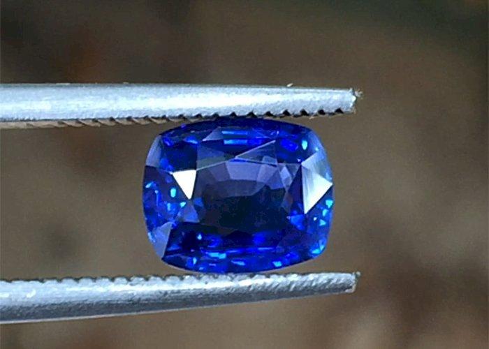 1.65 Cts Natural Blue Sapphire Clean Royal Blue Sapphire