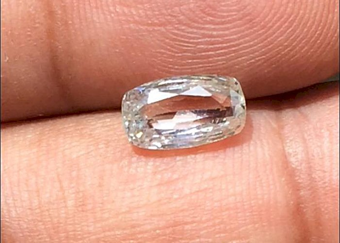 2.36 Cts Natural Unheated White Sapphire Certified IF Ceylon Sapphire